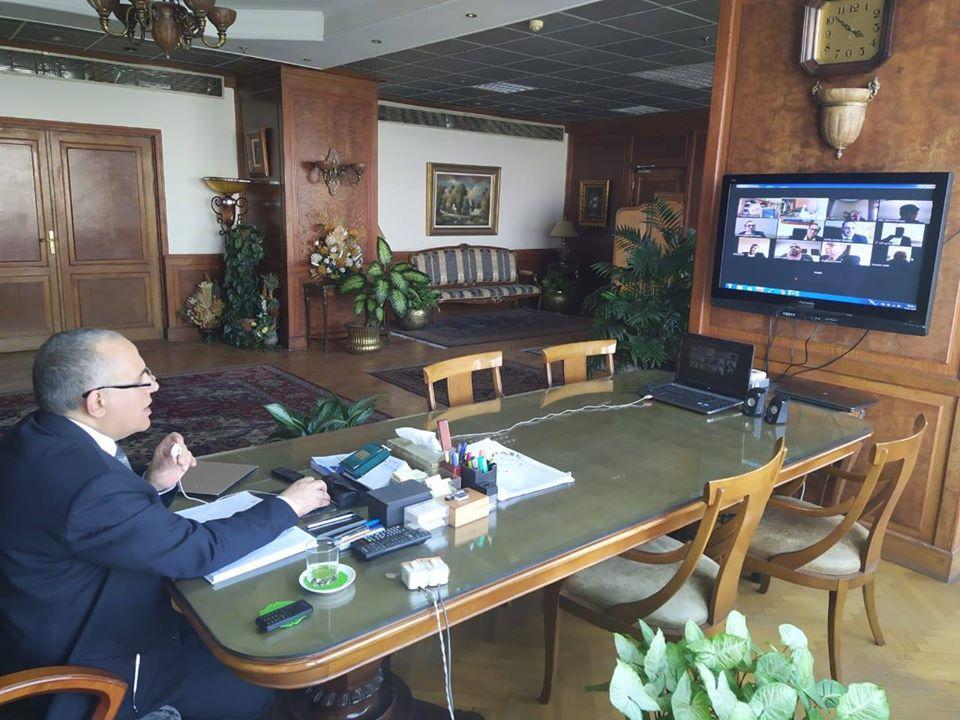 وزير الري يرأس اجتماعا لمتابعة الاستعداد لموسم أقصى الاحتياجات