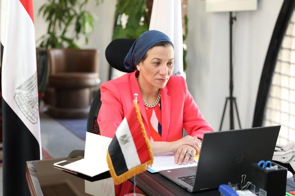 ياسمين فؤاد تستعرض جهود تطوير الأداء البيئي في مجال إدارة المخلفات خلال عامين