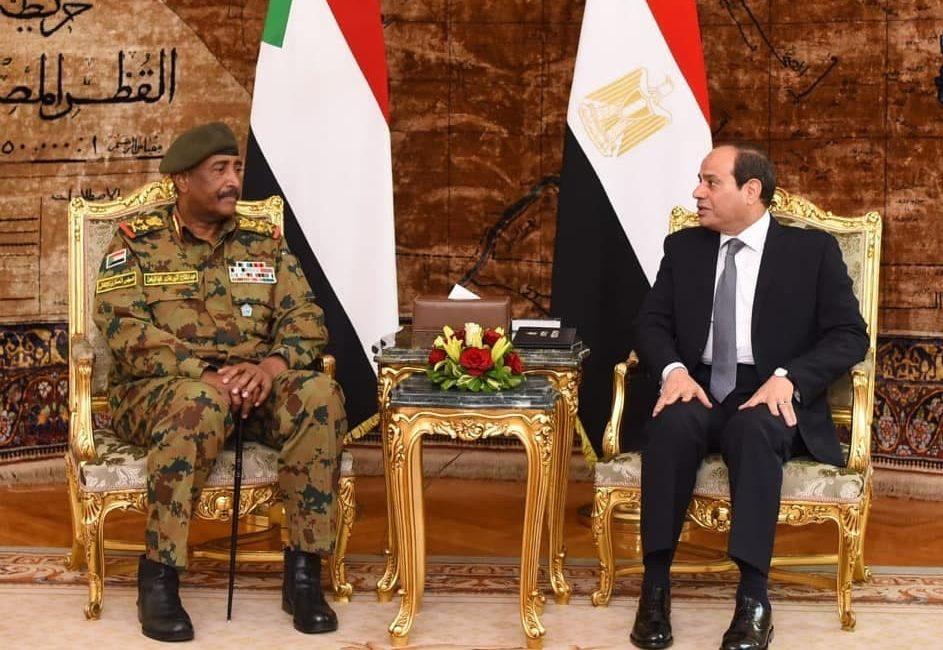 الرئيس السيسي يهنئ البرهان بعيد الفطر ويتمنى للسودان كل تقدم واستقرار