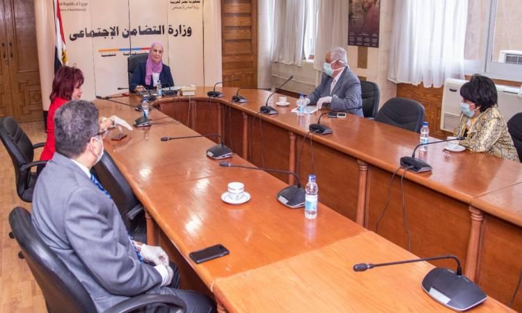 وزيرة التضامن الاجتماعى تستقبل وفد المستثمرات العرب لبحث سبل التعاون المشترك