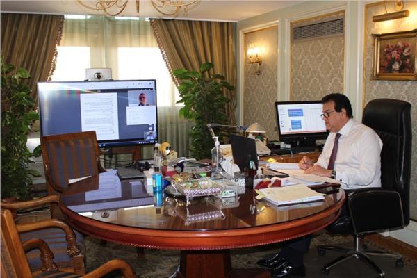 وزير التعليم العالي يشارك في مؤتمر الحوار بين اليونسكو وإفريقيا والصين حول فيروس كورونا