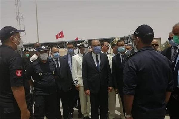 وزير الداخلية التونسي: نتابع الوضع بليبيا عن كثب.. وحدودنا مؤمنة