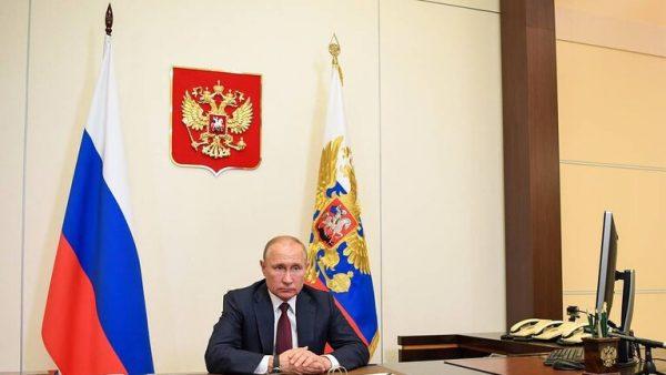 بوتين يحذر من خطورة أنشطة شركات تكنولوجيا المعلومات الأجنبية على العالم