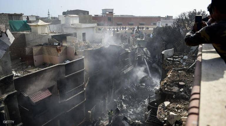 باكستان: ارتفاع حصيلة ضحايا الطائرة المنكوبة بكراتشي إلى 97 شخصا