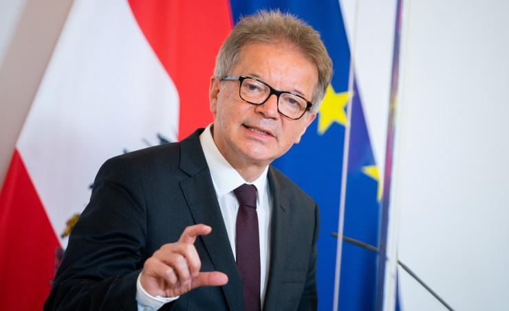 وزير الصحة النمساوى : تسجيل 169 إصابة جديدة بكورونا خلال 24 ساعة