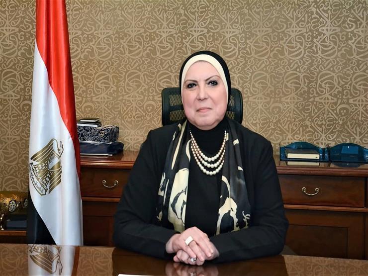 وزيرة التجارة : فتح باب تلقي طلبات تصنيع الكمامات القماش بهيئة التنمية الصناعية