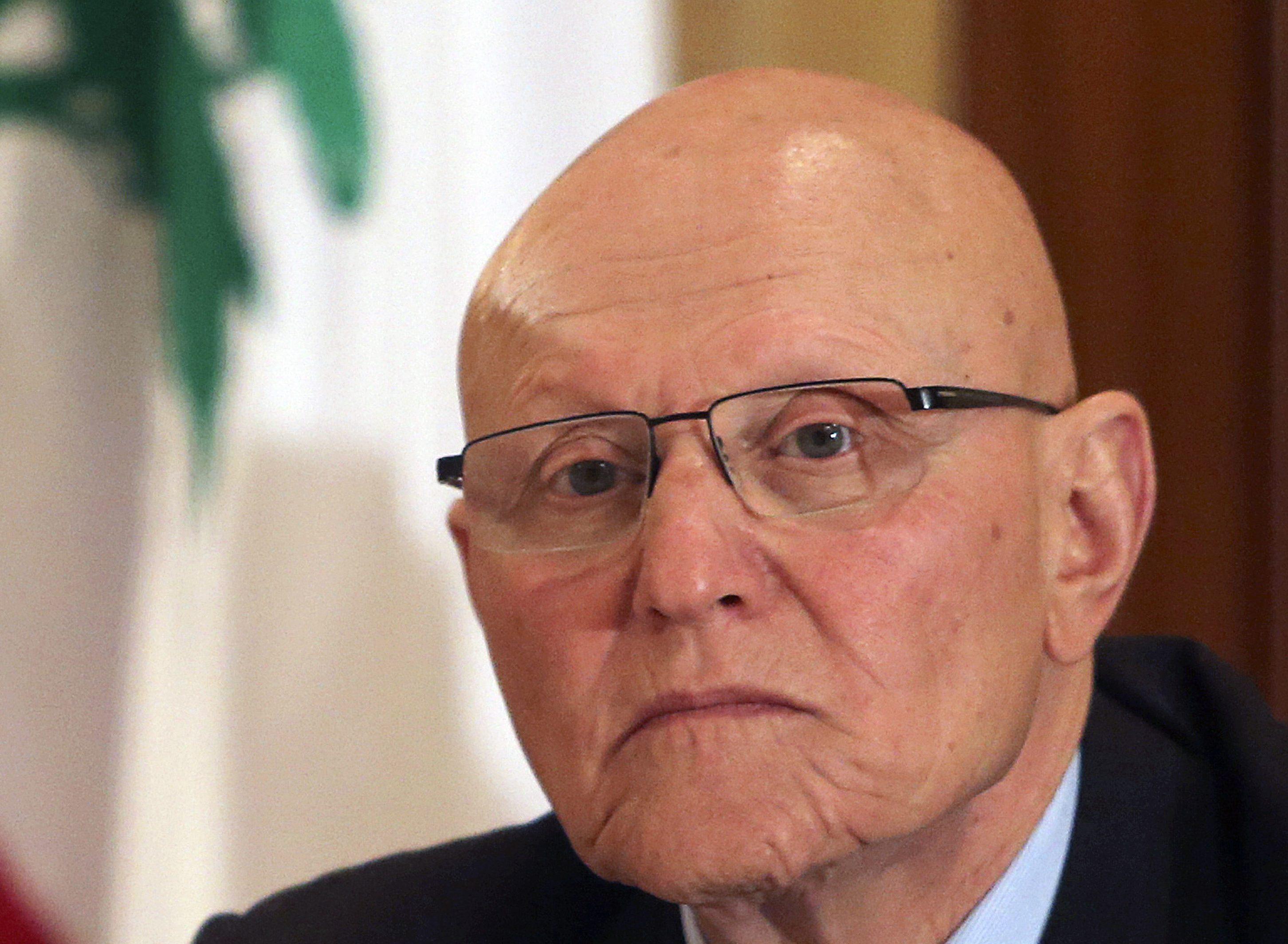 رئيس الحكومة اللبنانية الأسبق تمام سلام يحذر من عواقب التدهور الاقتصادي