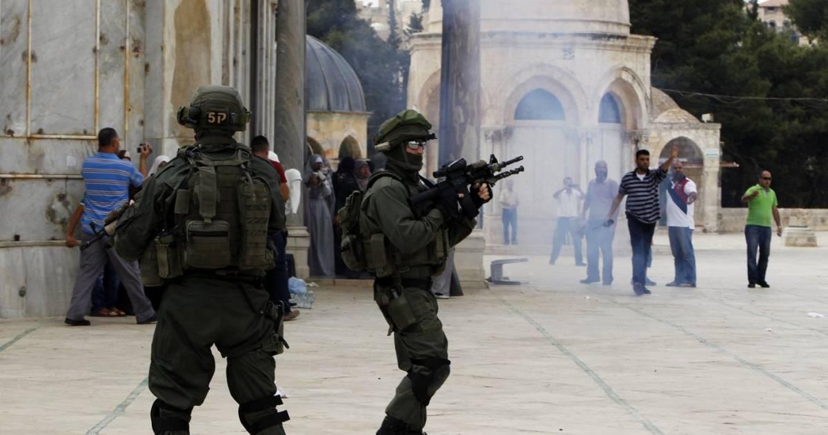 فلسطين: الاحتلال الإسرائيلى يعتدى على المصلين أثناء صلاة العيد