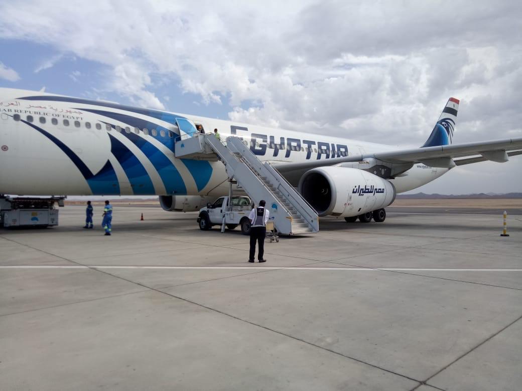 مطار مرسى علم يستقبل رحلة استثنائية لعالقين مصريين قادمة من ابوظبى