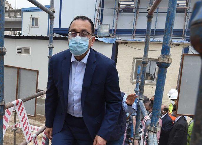 صور | رئيس الوزراء يتفقد وحدات بديل العشوائيات فى بمدينة السلام