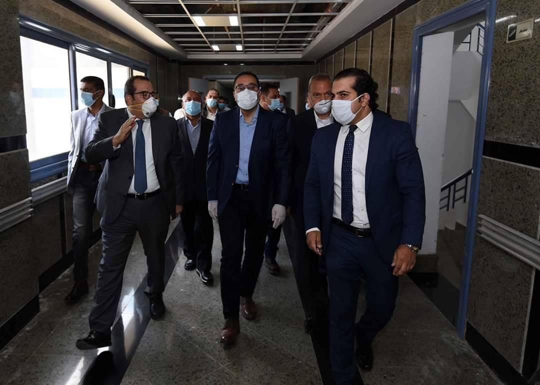 صور   رئيس الوزراء يتفقد مشروع تطوير مستشفى كفر شكر المركزي