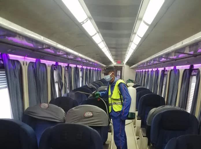 المترو والسكة الحديد يواصلان اعمال التطهير والتعقيم لمواجهة كورونا
