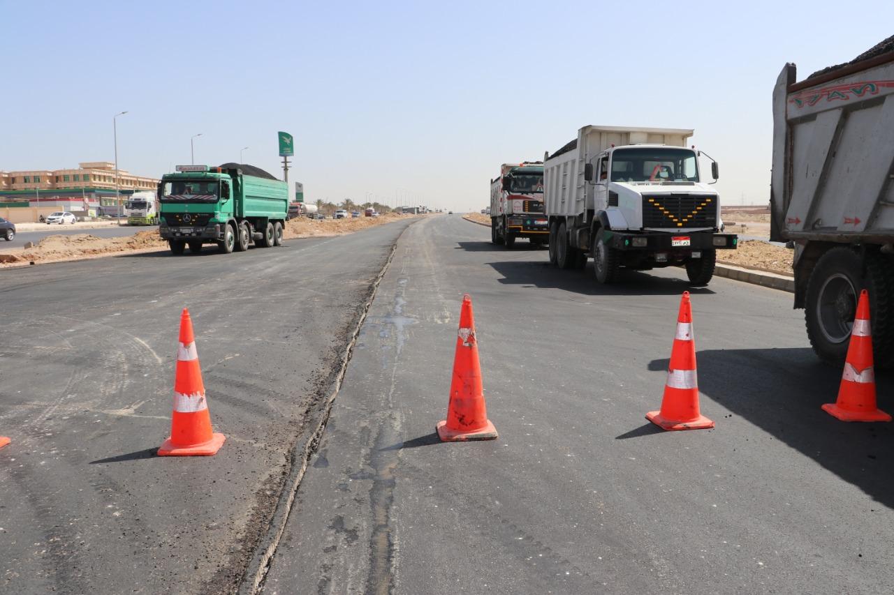صور   وزير الإسكان: استكمال رصف طريقي الدائرى الجنوبي والواحات في أكتوبر