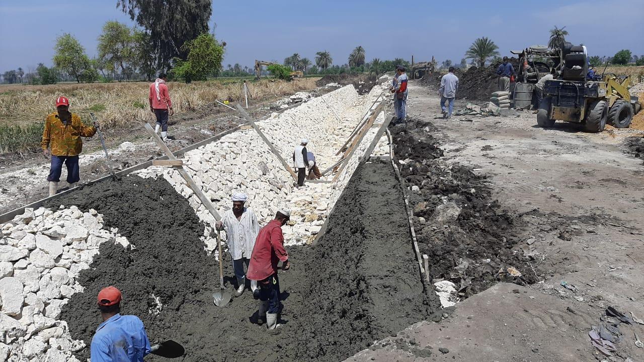 صور | «الري»: الانتهاء من تنفيذ أعمال تأهيل وتبطين 3 ترع ببني سويف