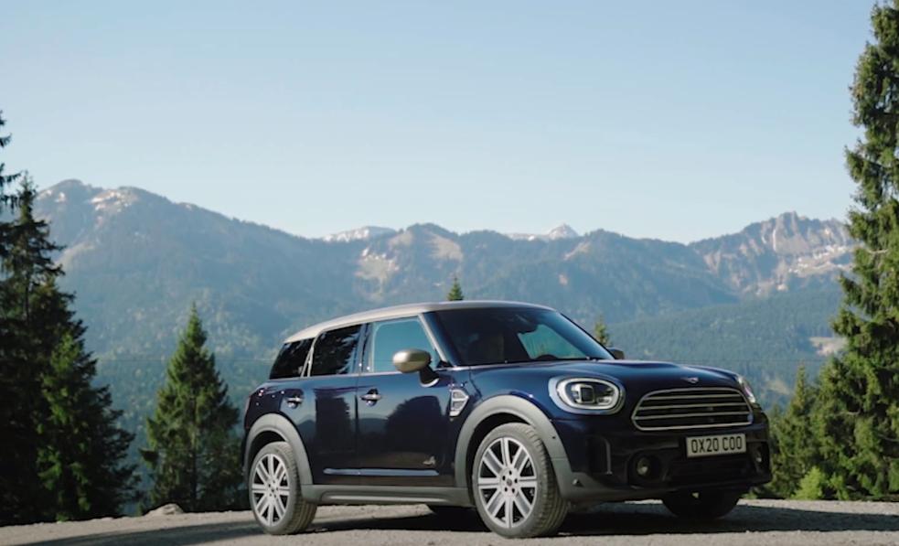صور وفيديو | MINI تطلق قريبًا تحفة جديدة لعشاق سيارات الكروس الصغيرة