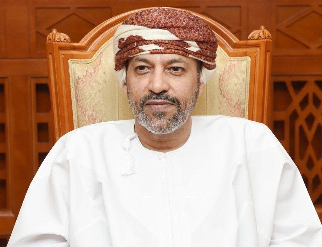 سلطنة عمان تنهى العمل بقرار إعفاء الموظفين من الحضور لمقرات العمل