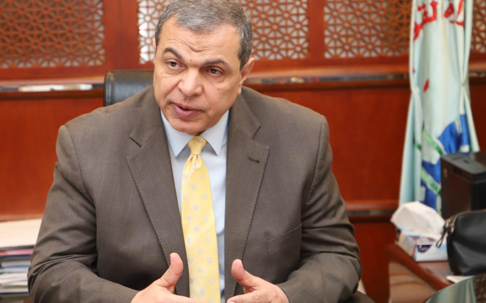 القوى العاملة : قرار جديد بالكويت يسمح للعمالة الوافدة المقيمة بتجديد إقاماتهم المنتهية
