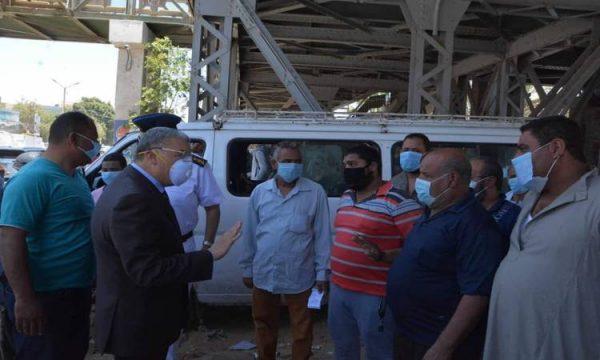 محافظ المنيا: سحب تراخيص سيارات السرفيس حال عدم ارتداء الركاب الكمامة