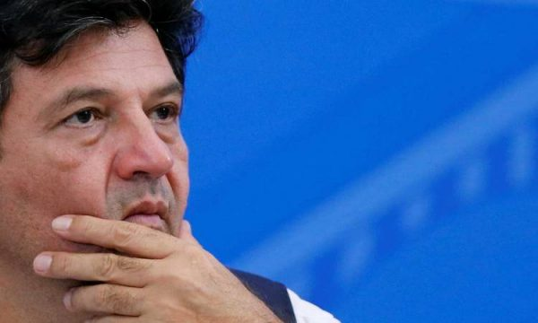 وسط تدهور للأوضاع بسبب كورونا.. وزير الصحة البرازيلى يقدم استقالته