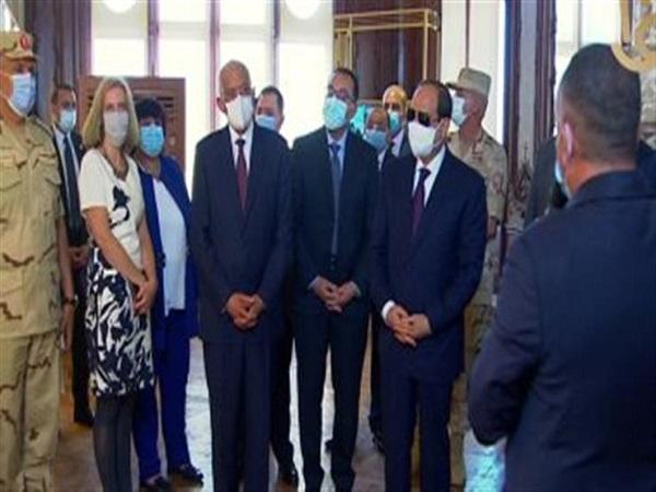 بعد افتتاحه اليوم.. الرئيس السيسي يتفقد قصر البارون