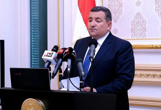 وزير الإعلام: مد ساعة للمحال التجارية واستمرار تخفيف العمل بالمصالح الحكومية