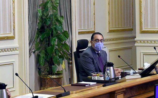 «مدبولي» يوجه الشكر لـ3 وزراء خلال اجتماع الحكومة