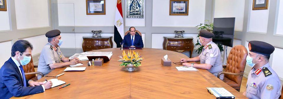 الرئيس السيسي يبحث مع مسؤولى الهيئة الهندسية مستجدات العمل في العاصمة الإدارية