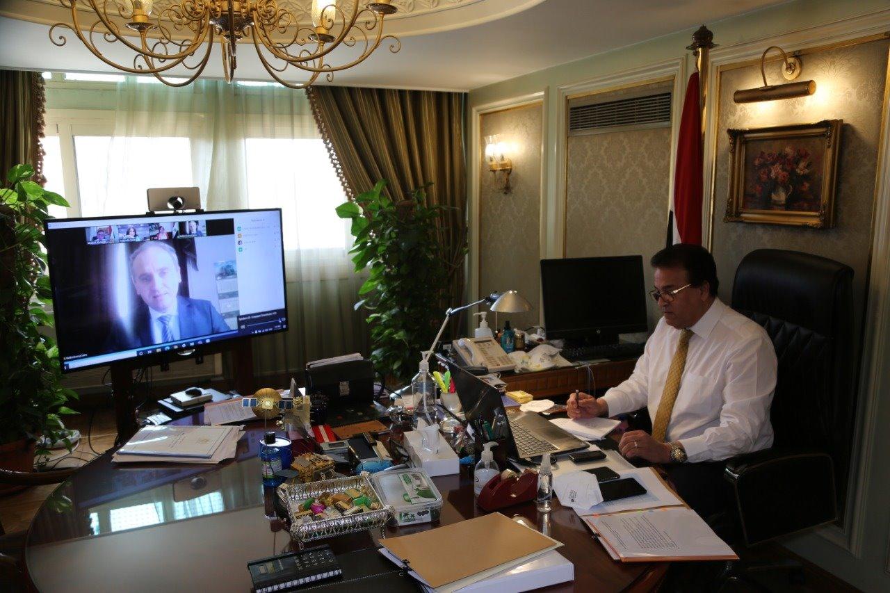 وزير التعليم العالي يبحث زيادة التعاون بمجالات البحث العلمي مع سفير بيلاروسيا