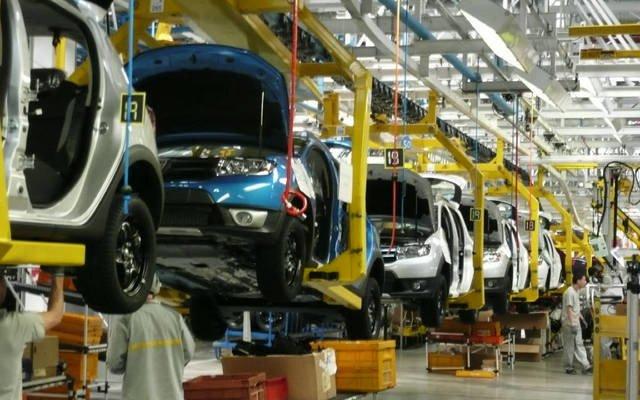 إنتاج السيارات البريطانية ينخفض 18% فى أكتوبر