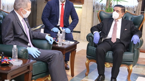 وزير الدفاع العراقى و السفير الامريكى يبحثان دعم القوات العراقية فى ملاحقة داعش