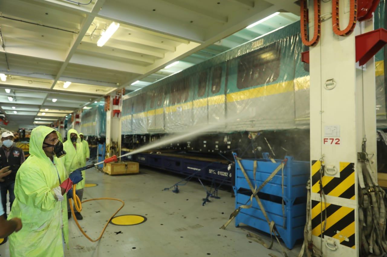 صور | وصول أول قطار مترو أنفاق جديد للعمل بالخط الثالث للمترو