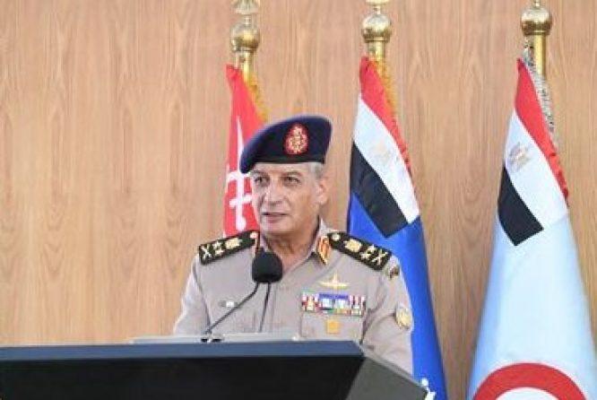صور | وزير الدفاع يشهد تخريج دورات جديدة من دارسي أكاديمية ناصر وكلية القادة والأركان