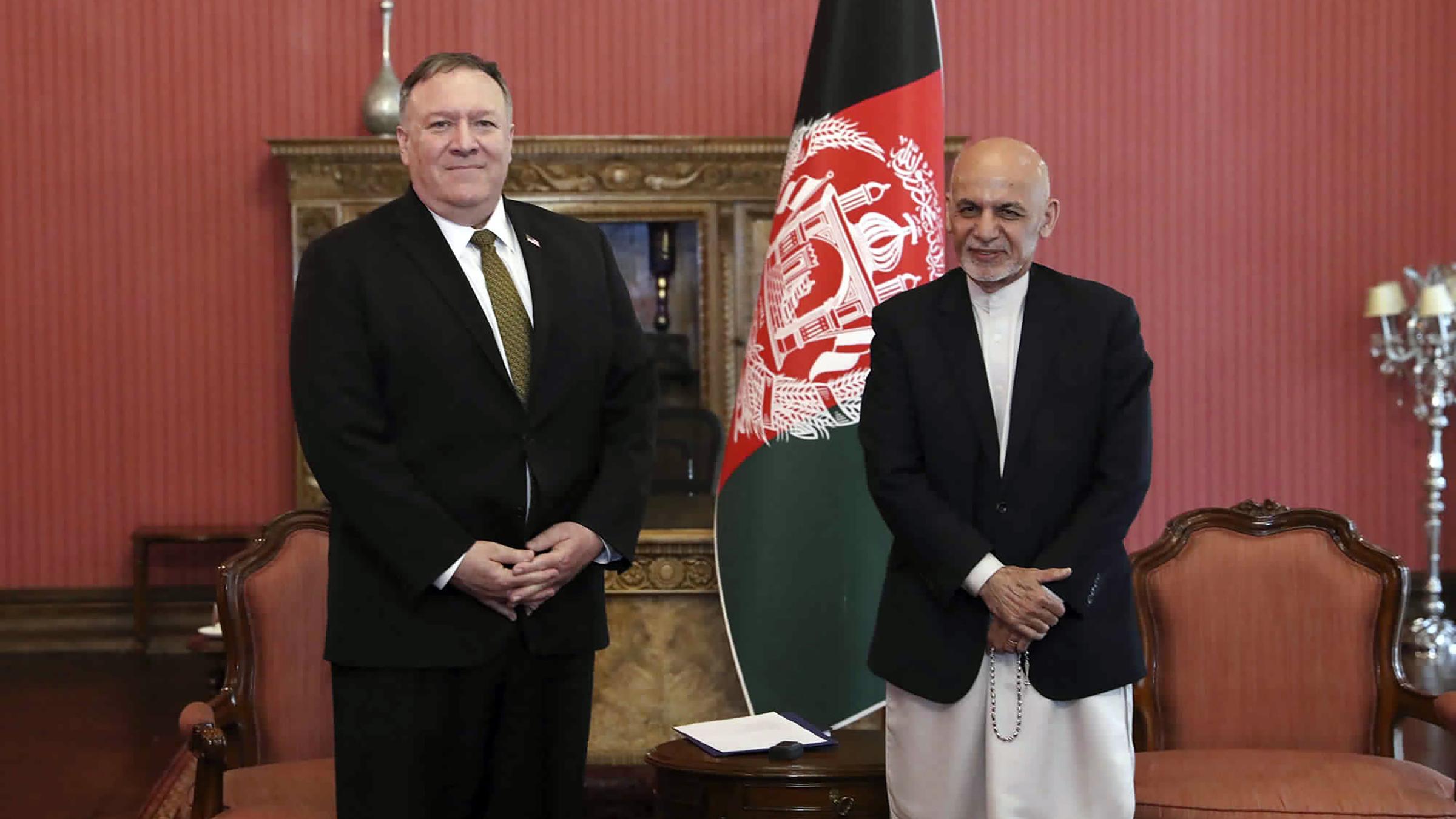 الرئيس الأفغاني ووزير الخارجية الأمريكي يبحثان جهود الحفاظ على السلام