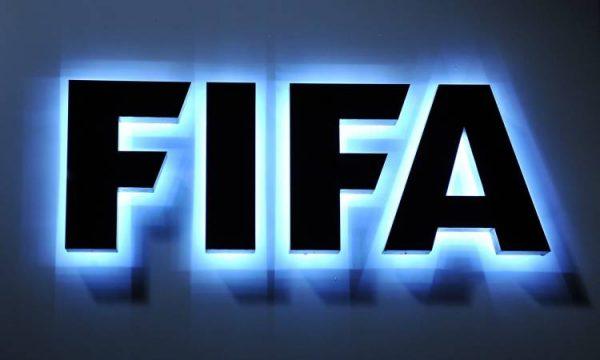 الفيفا يعلن تعديلات استثنائية في قوانين انتقالات اللاعبين