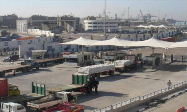 وصول 118 ألف طن بضائع استراتيجية لميناء الإسكندرية
