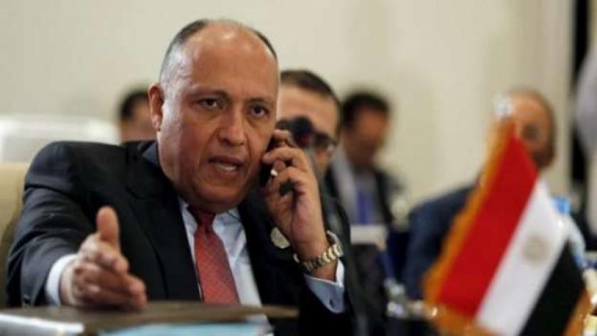 هاتفياً.. وزير الخارجية يبحث مع نظيره البريطانى الأوضاع فى ليبيا وأزمة سد النهضة