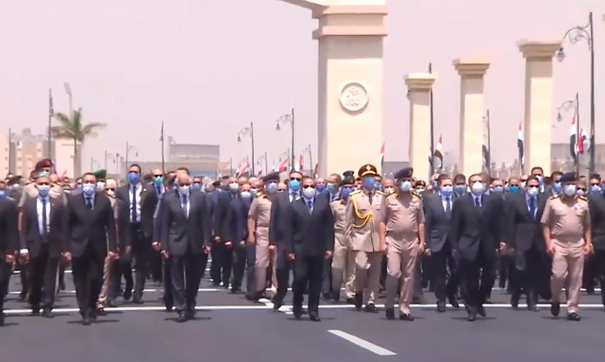 فيديو   الرئيس السيسي يتقدم الجنازة العسكرية للفريق محمد سعيد العصار