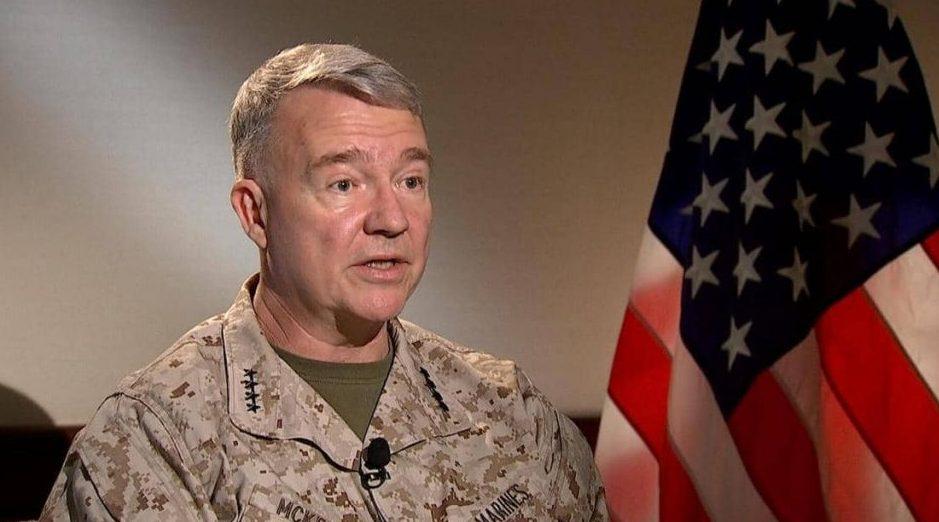 قائد المنطقة الوسطى بالجيش الأمريكي يؤكد ضرورة خروج القوات الأجنبية من ليبيا