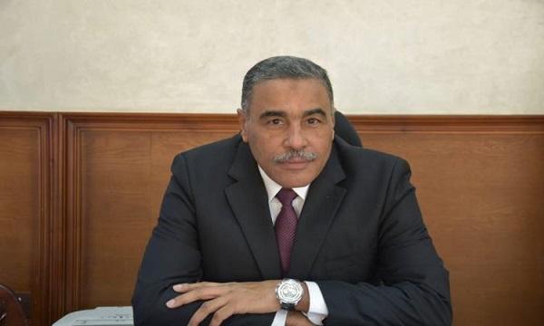 محافظ مطروح يحيل مدير إدارة صحية وطبيب ورئيس قرية للتحقيق
