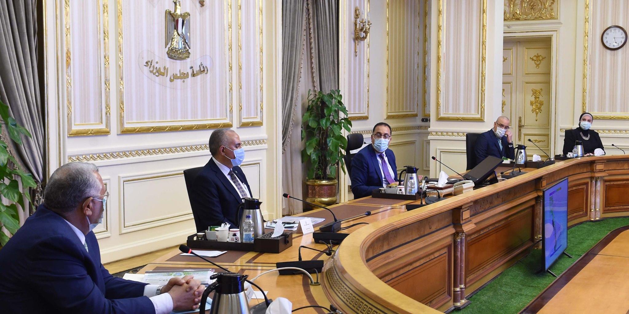 صور   رئيس الوزراء يُتابع موقف تنفيذ مشروعات في قطاعي الزراعة والري بسيناء
