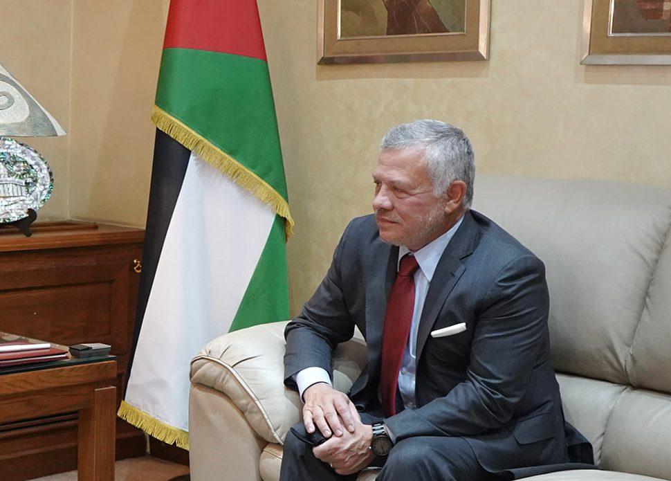 العاهل الأردنى يبحث مع قائد القيادة المركزية الأمريكية علاقات الشراكة الاستراتيجية