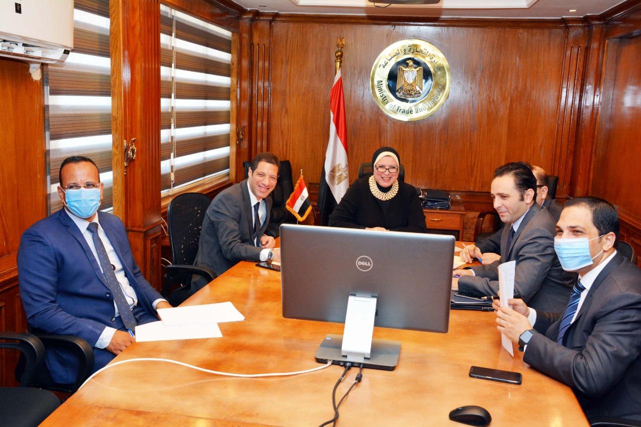 صور | وزيرة التجارة تستعرض مستقبل التعاون الاقتصادى والاستثمارات الألمانية بالسوق المصرى
