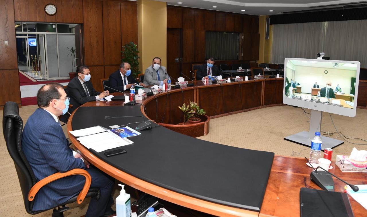 صور | وزير البترول يعلن المرحلة الثانية لبرنامج رفع كفاءة العاملين بقطاع التعدين
