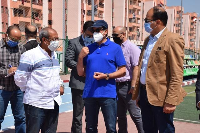 صور | وزير الرياضة يقوم بجولة تفقدية بالمدينة الشبابية والرياضية ومركز شباب الاسمرات