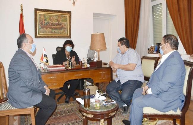 وزيرة الثقافة تناقش تفاصيل احتفالية تكريم اسم محمود رضا