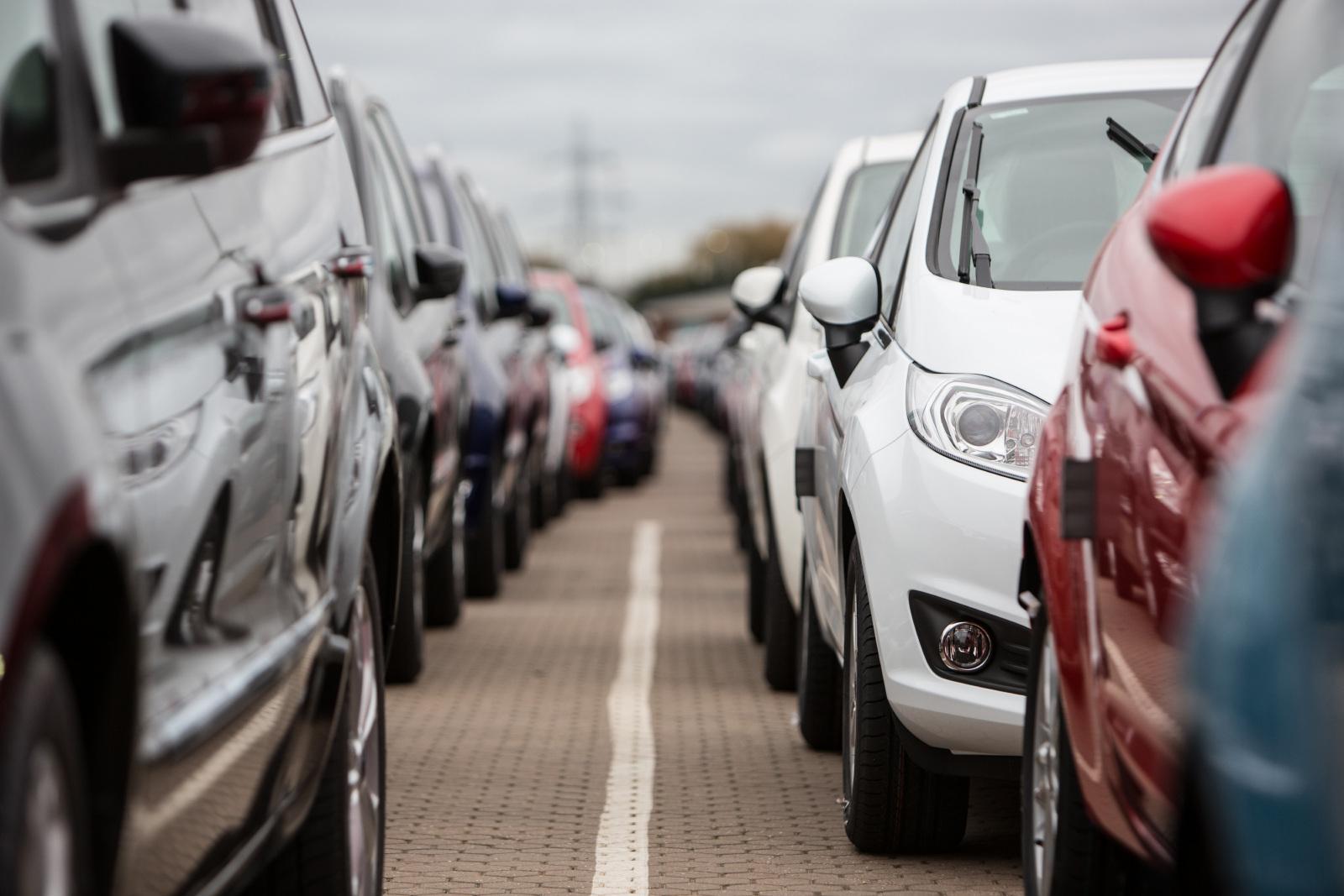 مبيعات السيارات الجديدة فى بريطانيا تسجل هبوطا أقل فى يونيو على أساس سنوى