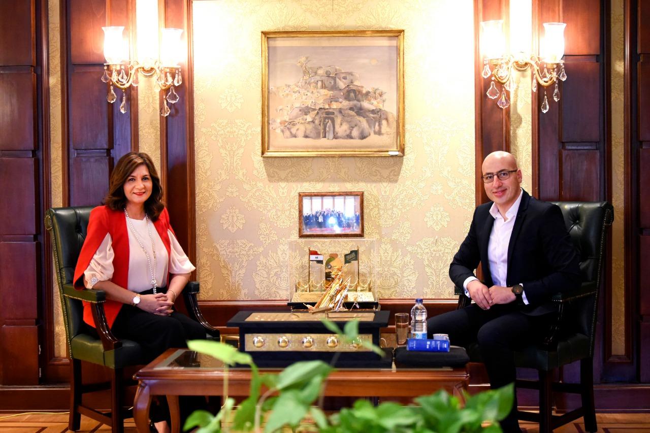 عرض الأعمال الوطنية والأفلام الوثائقية للمصريين بالخارج على Watch iT