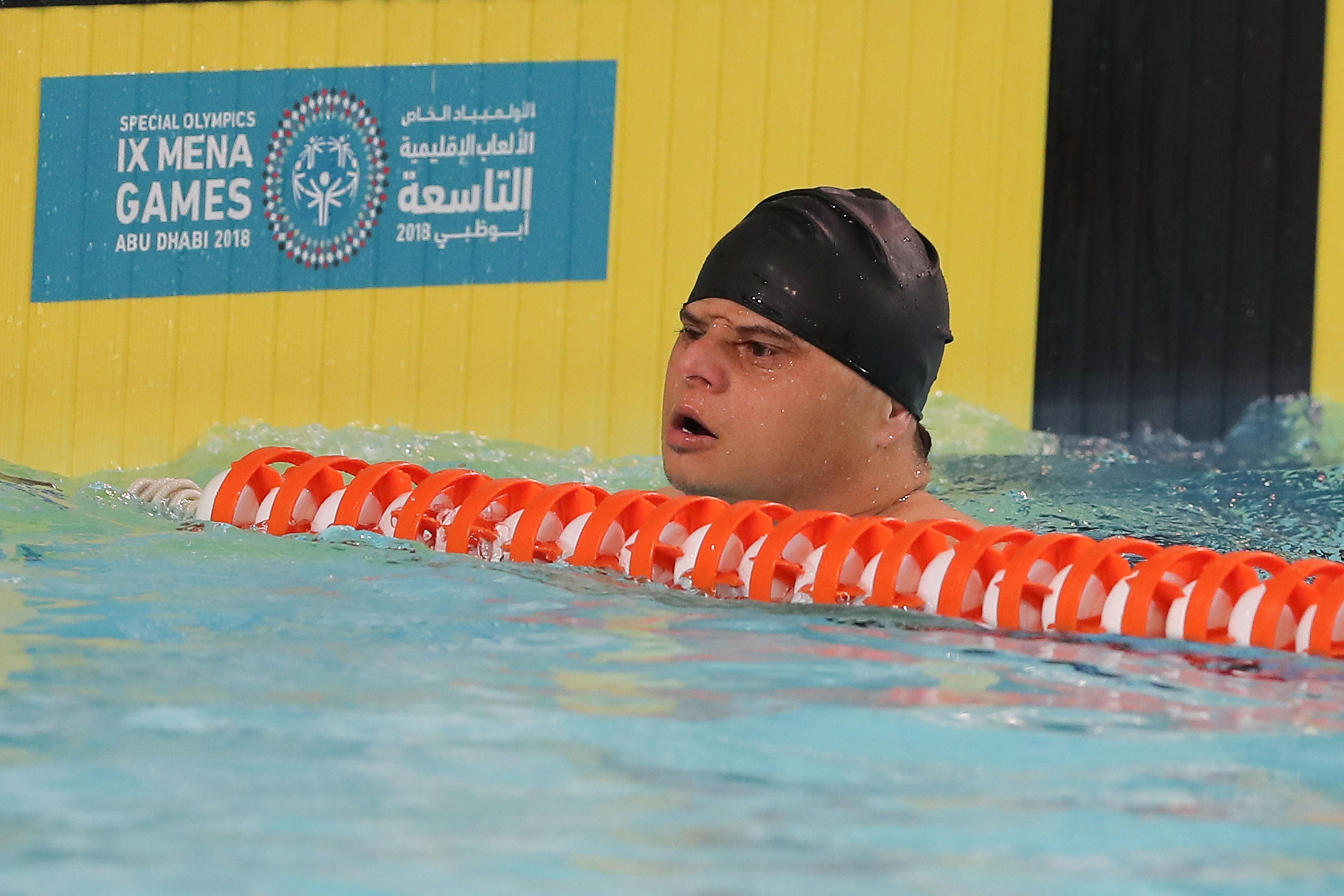17 دولة عربية تشارك في دورة تدريبية إقليمية لتطوير وتأهيل مدربين السباحة بالإمارات