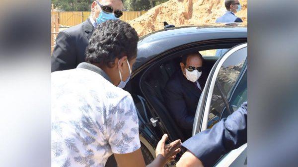 الرئيس السيسي يتفقد عددًا من مشروعات المحاور والكباري بمدينة نصر