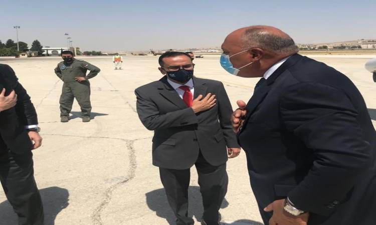 العاهل الأردنى يستقبل سامح شكرى فى مستهل زيارته للعاصمة الأردنية عمان